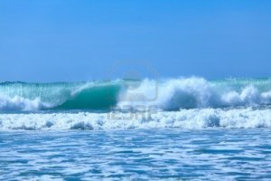 10367401-atlentic-ocean-waves-near-biarritz-france